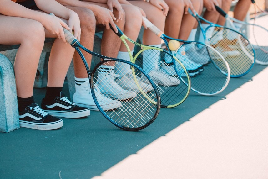 5 avantaje de care se va bucura orice copil care participă la cursuri de tenis